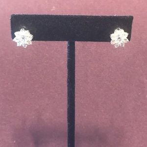 Snowflake shaped blingy post earrings. 3/$12 Sale